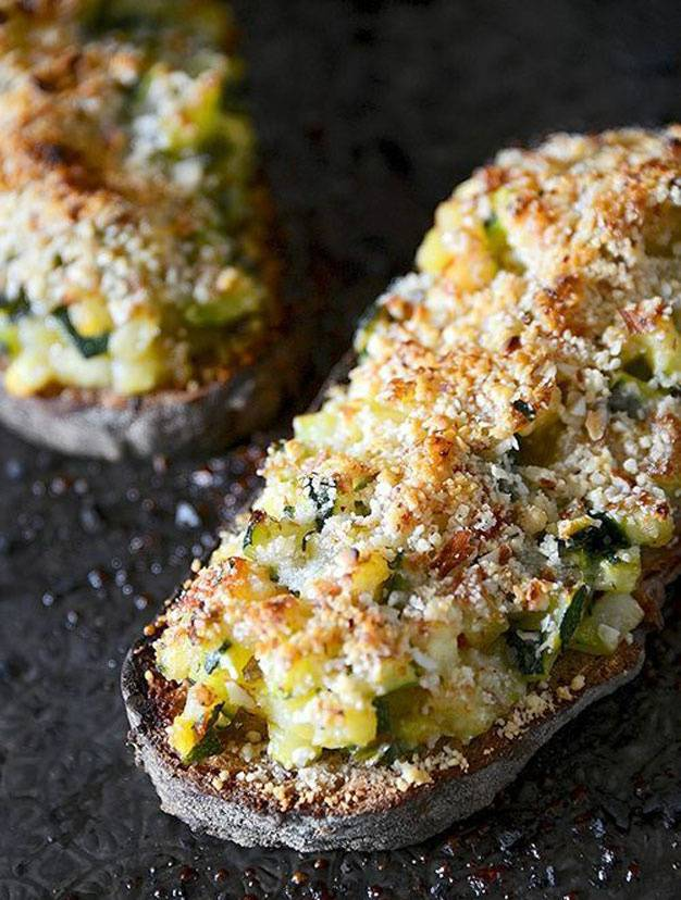 tartine courgette parmesan